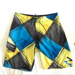 Billabong Board Shorts Sz 33